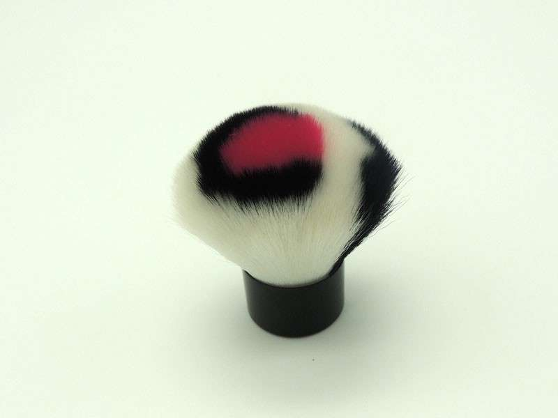 fashionable kabuki brush